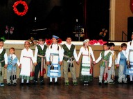 """Krevukai"" from Philadelphia's Vinco Krevesmokyklos Lithuanian school perform under the direction of Irena Brusokienė"