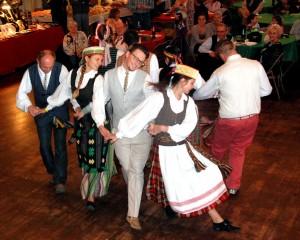 Malunas Folk Dancers